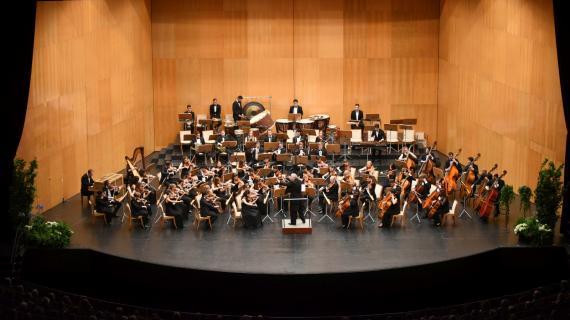 Péter Csaba and the Encounter's Freixenet Symphony Orchestra: Beethoven